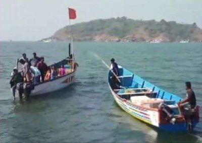 कर्नाटक :22 लोगों को लेकर जा रही नाव अचानक पलटी, 6 के शव बरामद, बाकी लापता