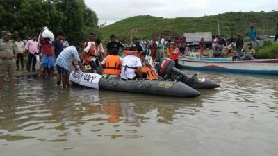 कर्नाटक: नाव डूबने से 8 लोगों की मौत, नौसेना ने 17 को सुरक्षित निकाला