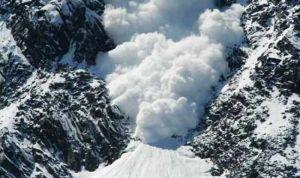 कश्मीर में कुदरत का कहर, हिमस्खलन से 5 जवानों की मौत, 4 लापता