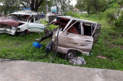 मध्यप्रदेश के उज्जैन में भीषण सड़क दुर्घटना, 12 की मौत
