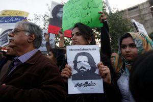 घर लौटे पाकिस्तान के मानवाधिकार कार्यकर्ता
