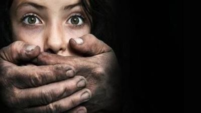 2 girls rescued from smugglers, 7 arrested