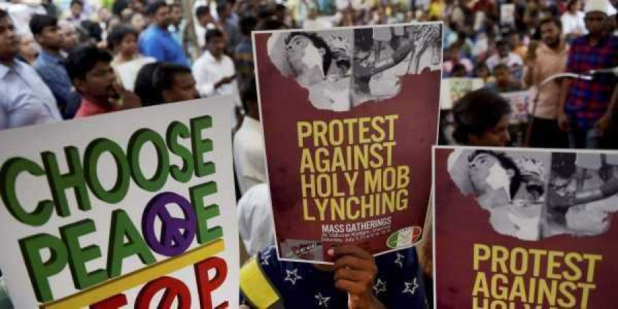 A Muslim man to marry a Hindu girl assaulted at Ghaziabad court by a mob