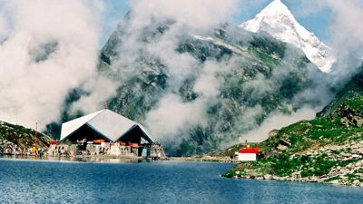 The doors of the famous shrine of Hemkund Sahib opened, thousands devotees visited