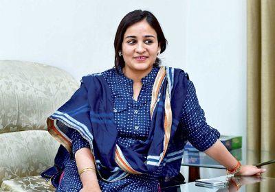 Mayawati blames  Yadavas for the defeat, Aparna slammed her