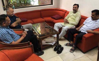 4 राज्यों के सीएम पहुंचे दिल्ली, कॉन्फ्रेंस कर केजरीवाल को दिया समर्थन