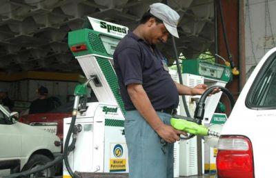 बंद नहीं हो रही पेट्रोल पम्पों से ईंधन चोरी की धोखाधड़ी