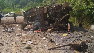 पर्चों की आड़ में नक्सलियों ने दिया आईईडी ब्लास्ट को अंजाम, एक की मौत कई घायल