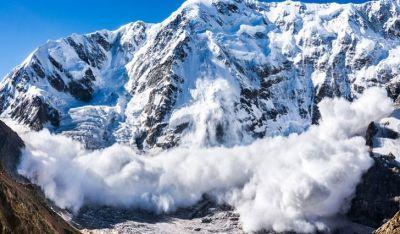 नेपाल में भारी हिमस्खलन, एक गाइड की मौत कई लापता
