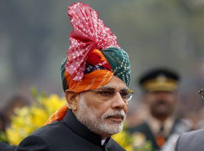 देश भर में हर्षोल्लास से मन रहा होली पर्व, PM मोदी ने दी बधाई