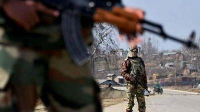 नौशेरा में पाकिस्तान ने भारतीय सैन्य चौकियों पर की फायरिंग, एक कुली को लगी गोली
