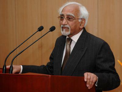 आतंकवाद को लेकर पाक पर बरसे हामिद अंसारी, की अलग-थलग करने की मांग