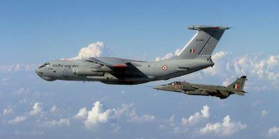 पाकिस्तान की बॉर्डर पर आधी रात को गरजे भारतीय लड़ाकू विमान, दहल गया दुश्मन
