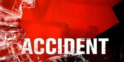 12 People suffered injuries as passenger vehicle hit side structure