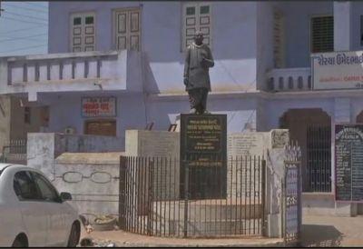 Statue Vandalism Row: Statue of Sardar Vallabhbhai Patel garlanded with cold drink bottles