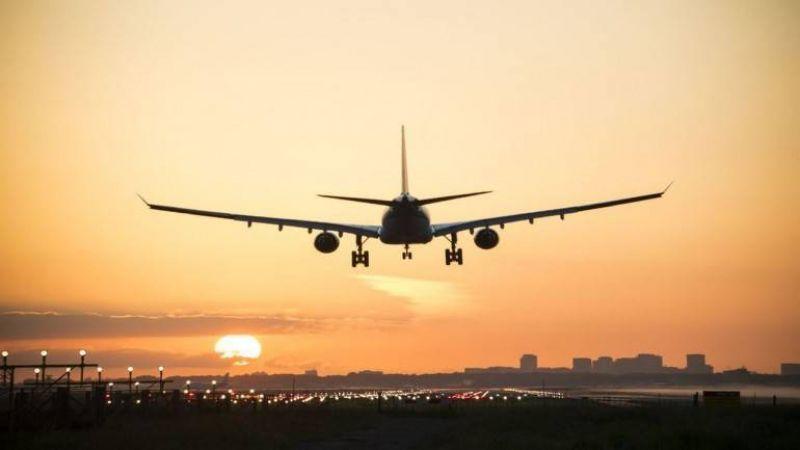 बोइंग 737 मैक्स विमान के इंजन में आई खराबी, पायलटों ने की सुरक्षित आपात लैंडिंग