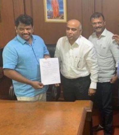 देर रात गोवा में हुआ राजनैतिक उलटफेर, गोमांतक पार्टी के दो विधायक बीजेपी में शामिल