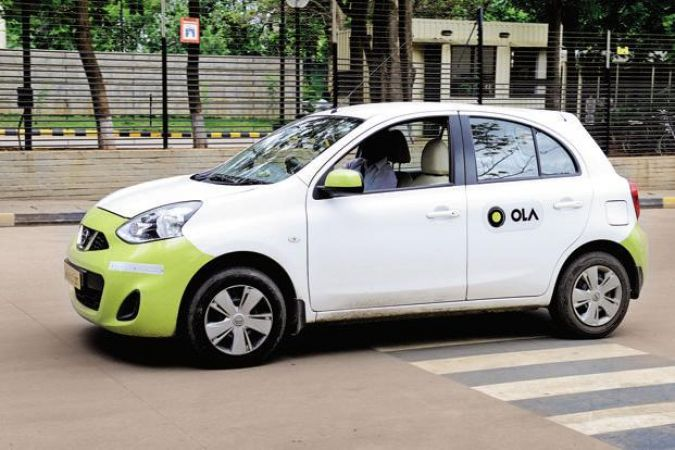 Gang robs and threatens the Ola cab driver