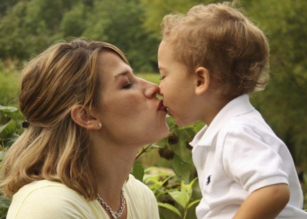 मदर्स डे : वो माँ ही होती हैं... जो दर-दर की ठोकरें खाकर हमें दफ्तर का मालिक बनाती हैं...