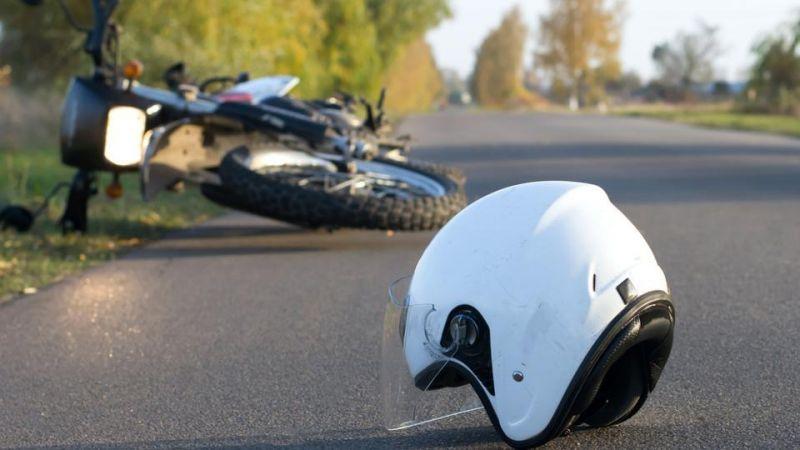 अज्ञात वाहन की टक्कर में दो बाइक सवारों की मौत