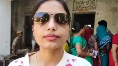 लोकसभा चुनाव: मतदान करने के लिए स्वीडन से भारत आई प्रिया, लोगों को भी किया प्रेरित