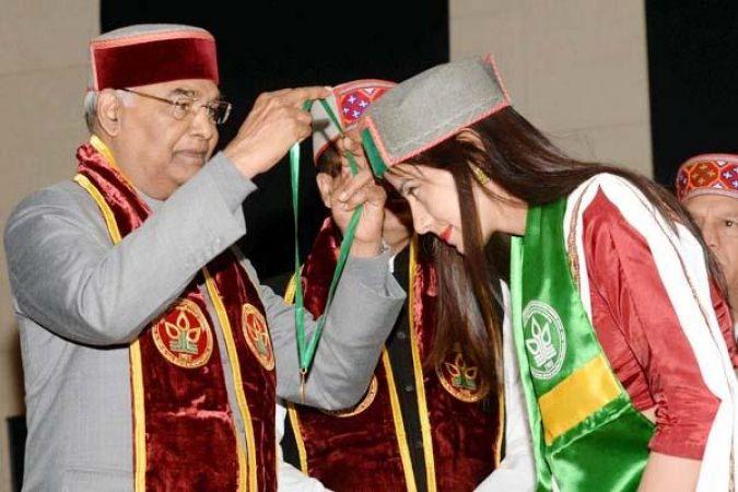 राष्ट्रपति का हिमाचल दौरा : 62 छात्रों को डिग्रियां, 9 को मिले गोल्ड मेडल