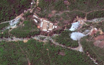 उत्तर कोरिया ने परमाणु परीक्षण सुरंगों  को किया नष्ट