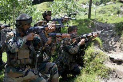 जम्मू कश्मीर: पत्थरबाजों ने सेना पर किया हमला, मौका पाकर भाग निकले आतंकी