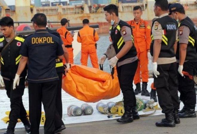 इंडोनेशिया : भीषण विमान दुर्घटना के बाद सतर्क हुई इंडोनेशियाई सरकार, आधा दर्जन विमानों की कराइ जांच