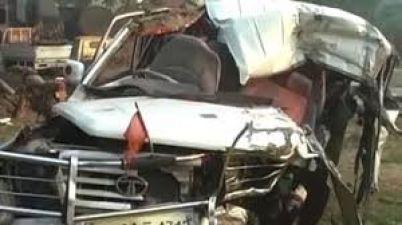 उत्तरप्रदेश में भीषण सड़क दुर्घटना, छह की मौत, 13 गंभीर