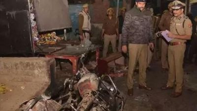Two minors shot dead in Prayagraj, murderers burnt the bodies