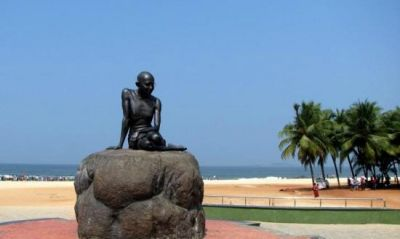 महात्मा गाँधी की मूर्ति तोड़ी, अज्ञात लोगों के खिलाफ केस दर्ज