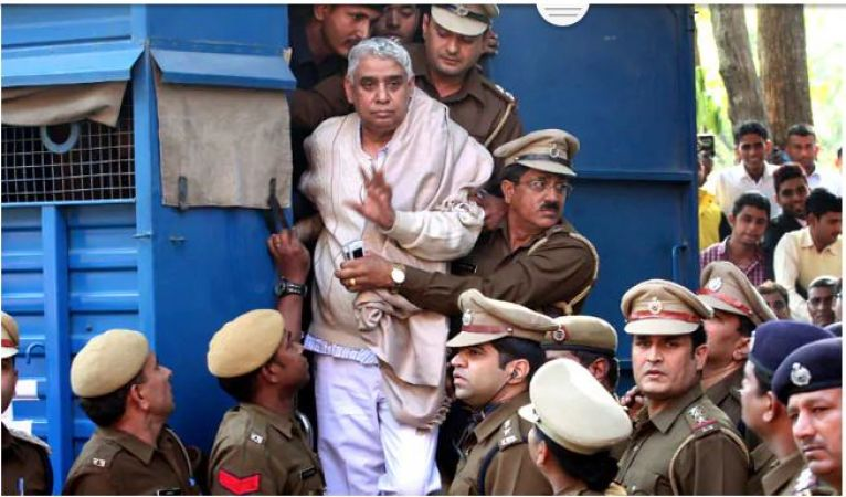 Self-Styled Godman Rampal sentences Life Imprisonment In Two Murder Cases