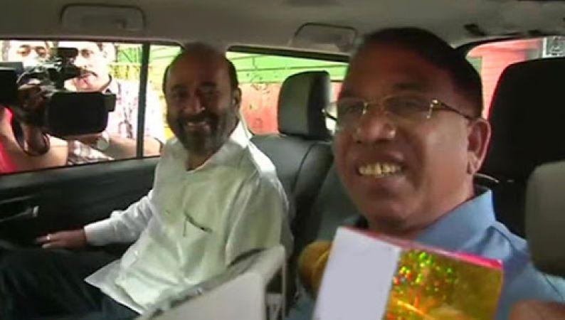 गोवा : कांग्रेस को बड़ा झटका, पार्टी छोड़ बीजेपी में शामिल हुए दो विधायक