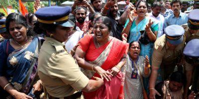 सबरीमाला मंदिर विवाद: मीडिया कर्मियों से मारपीट, महिला पत्रकारों पर हमला, एक्टिविस्ट राहुल ईश्वर गिरफ्तार