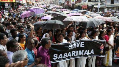 सबरीमाला मंदिर विवाद : महिलाओं के प्रवेश के विरोध में आज केरल बंद, पुलिस पर फेंके गए पत्थर