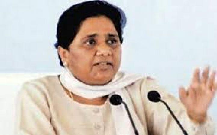 माया संग अखिलेश ने अलापा ईवीएम में गड़बड़ी का राग