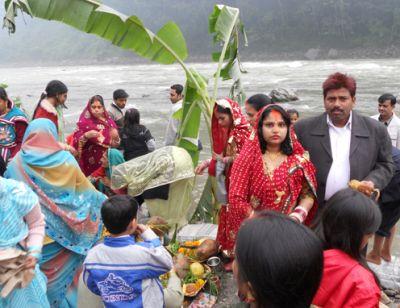 छठ पूजा : सिक्किम के घाट दुल्हन की तरह सजे
