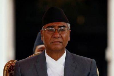 नेपाल के प्रधानमंत्री हुए अस्पताल में भर्ती, पार्टी के कार्यकर्ता पहुंचे मिलने