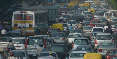 देश में पब्लिक ट्रांसपोर्ट घटना, निजी वाहनों का बढ़ना बड़े संकट की और इशारा