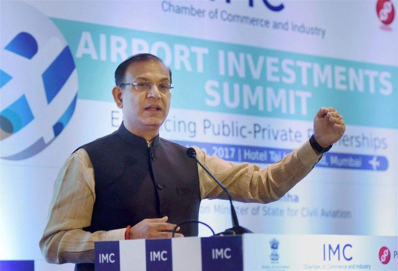 केंद्रीय राज्य मंत्री जयंत सिन्हा ने फिर दिया एक अजीब बयान, इस बार बोले ऑटो से भी सस्ता है प्लेन का किराया