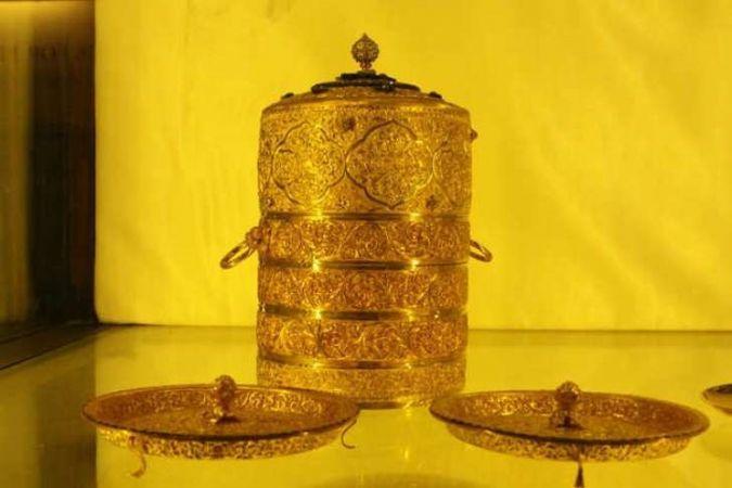 हैदराबाद निज़ाम संग्रहालय में सेंध, सोने का टिफ़िन और जवाहरात जड़ा कप चोरी
