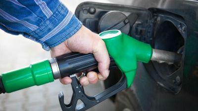 लगातार बढ़ रहे पेट्रोल और डीजल के दाम जनता को नहीं मिल रही राहत