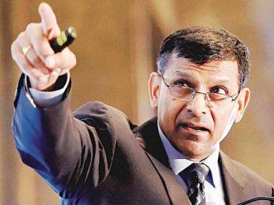 RBI के पूर्व गवर्नर राजन ने कहा, सरकार को बता दिया था नोटबंदी पड़ेगी भारी