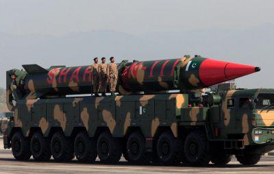 रिपोर्ट में हुआ खुलासा, पाकिस्तान के पास है इतने परमाणु हथियार