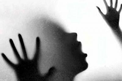 चलती कार में विदेशी युवती से सामूहिक दुष्कर्म