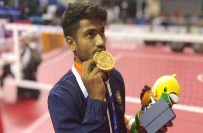 2018 एशियाई खेलों में पदक जीतने वाला बेच रहा चाय