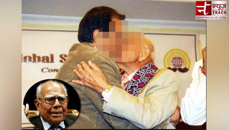 राम जेठमलानी जन्मदिन विशेष : इस बॉलीवुड अभीनेता को किस करने की वजह से विवादों में घिरे थे देश के सबसे महंगे वकील