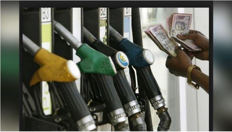 पेट्रोल पम्पों पर रोज होता है यह 'घोटाला', ऐसे बचाये अपनी जेब