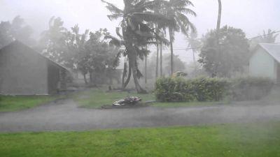 भयानक तूफ़ान से जूझेगा अमेरिका, 10 लाख लोगों को छोड़ना पड़ा अपना घर